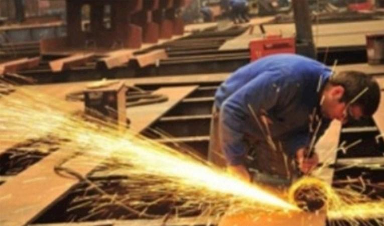 Sanayi üretimi Kasım'da beklentiyi aştı