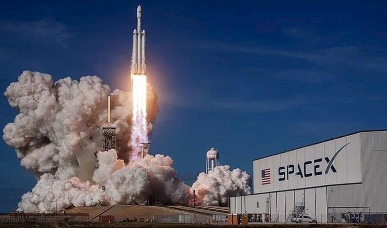 SpaceX roketi, 4 özel yolcuyu dünyanın çevresinde 3 gün gezdirecek