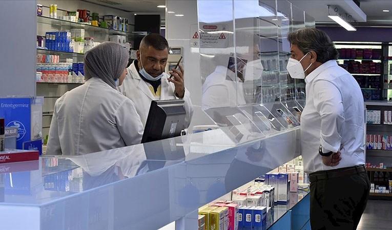Lübnan'daki eczaneler ilaçlar tükenince kapandı