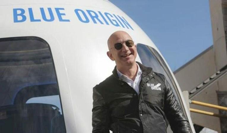 Bezos'un uzay yolculuğunda sürpriz bir isim daha olacak