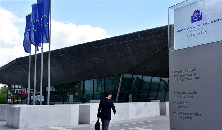 ECB faizi sabit tuttu, varlık alımlarını artırdı