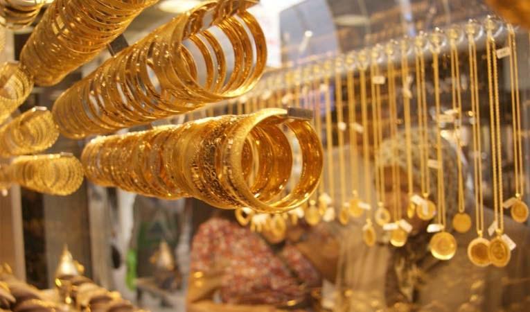 Piyasalar sakin, altın geriliyor