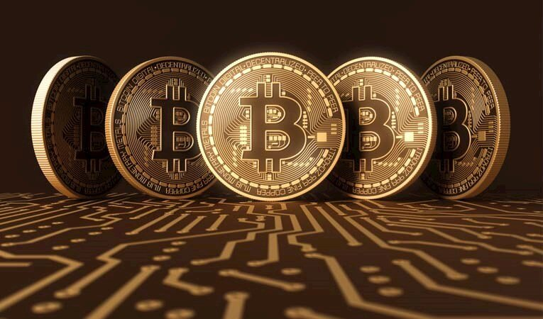 Bitcoin'de tarihi zirve