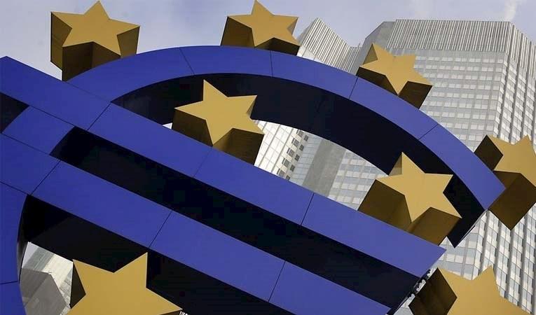 Euro Bölgesi'nde daralma beklentilerin altında kaldı