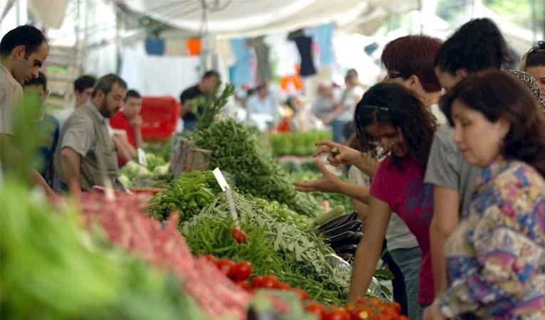 Şubat enflasyonu beklentiyi aştı: % 15,61