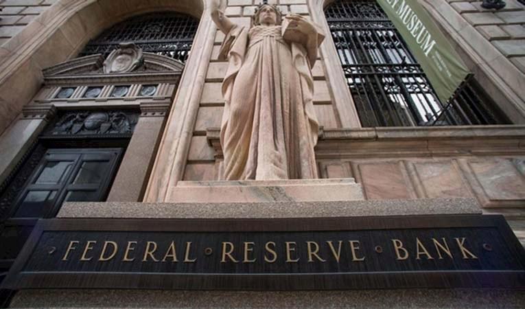 Fed Başkanı: İş gücü piyasası güçlü olmaktan oldukça uzak