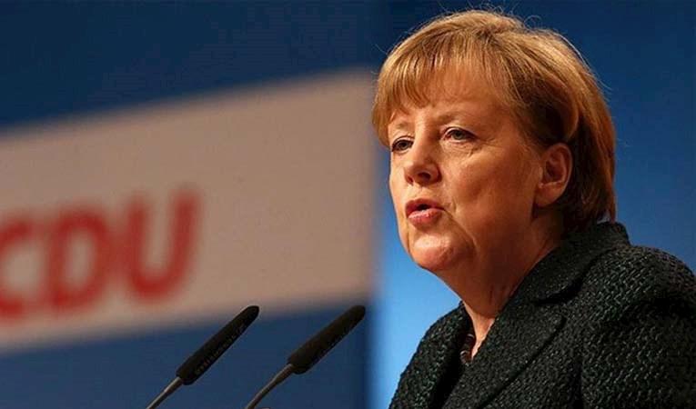 Merkel'in partisi iki eyalet seçiminde kaybetti