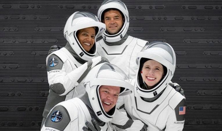 Uzay turizminde önemli adım: Yolculuk başladı