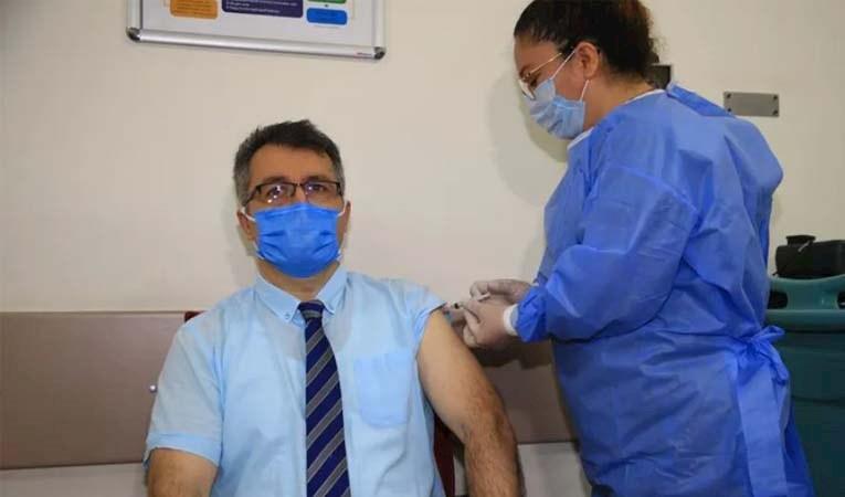 Türkiye'de COVID-19 aşısı olanların sayısı 1 milyonu aştı