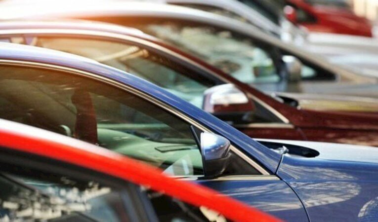 İkinci el online araç satışı düştü, fiyatlar arttı