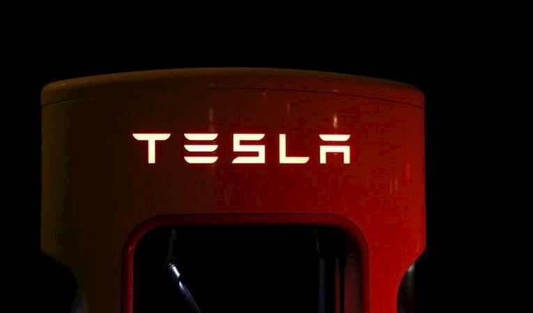 Tesla maliyeti düşürmek için taşınıyor: Elon Musk hangi şehri seçti?