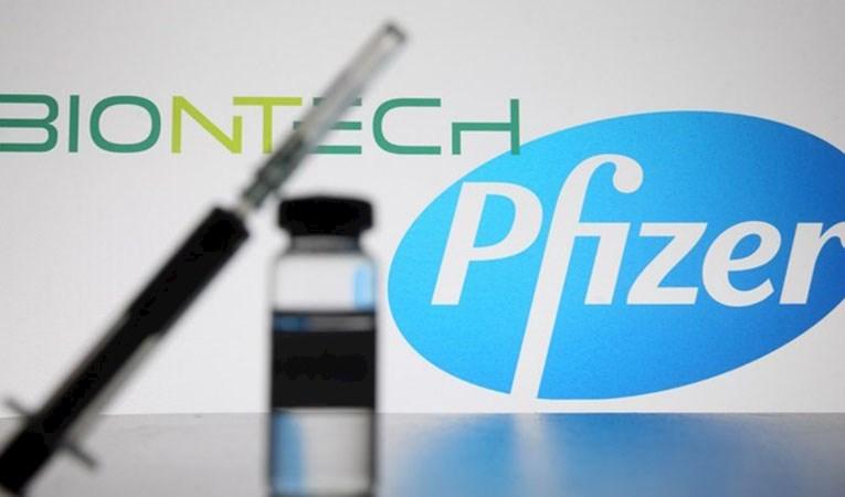 Pfizer aşı satış gelir tahminini yükseltti