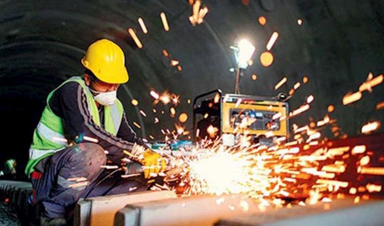 Sanayi üretimi yıllık bazda yüzde 11,4 arttı