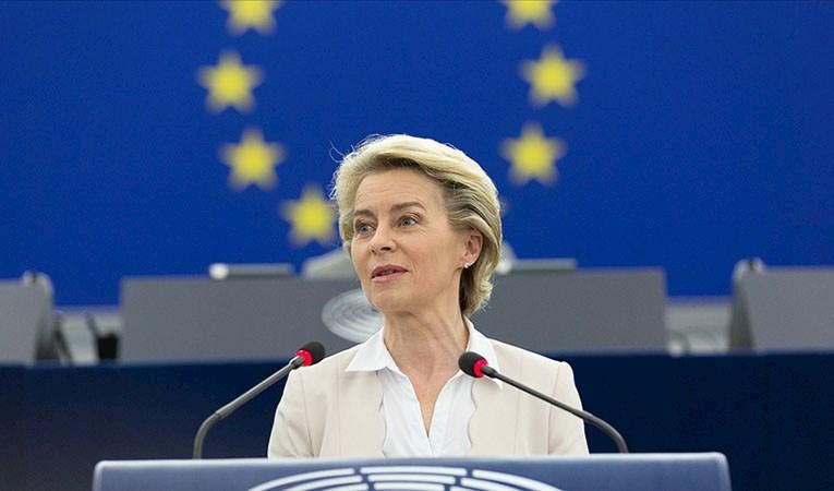AB, Türkiye'ye Suriyeliler için 3 milyar avro bütçe ayıracak