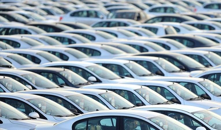 Otomobil satışları 8 ayda yüzde 64 büyüdü