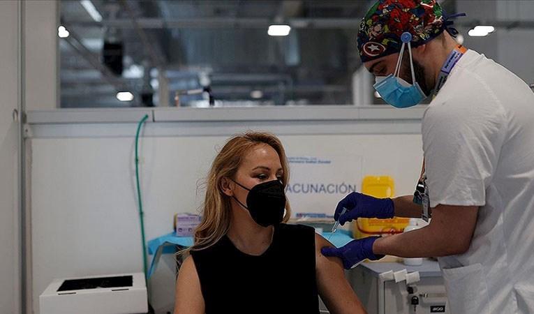 Avrupa'da aşı tartışması büyüyor
