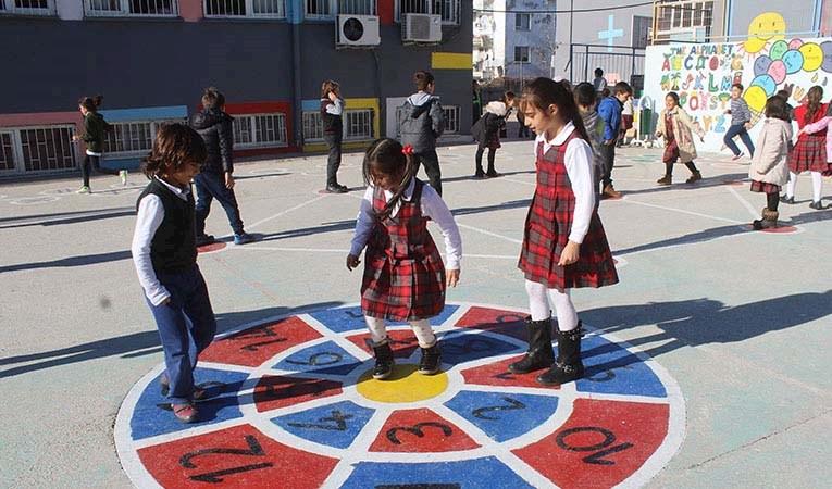 Türkiye'de çocuk nüfusu hızla geriliyor